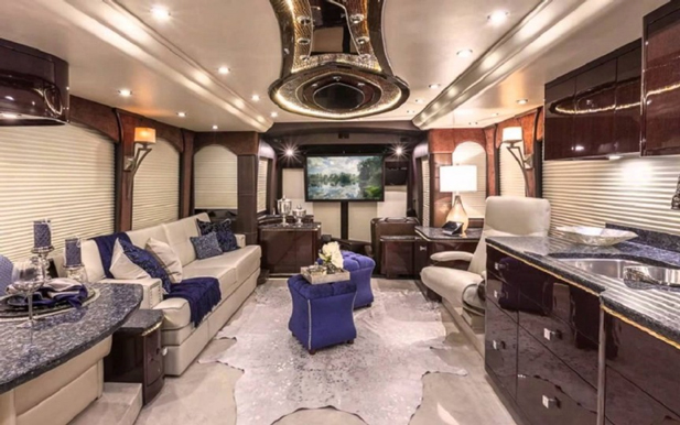1 rv 5 for Salon du luxe monaco